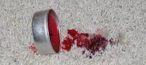 Wachsfleck auf Teppich