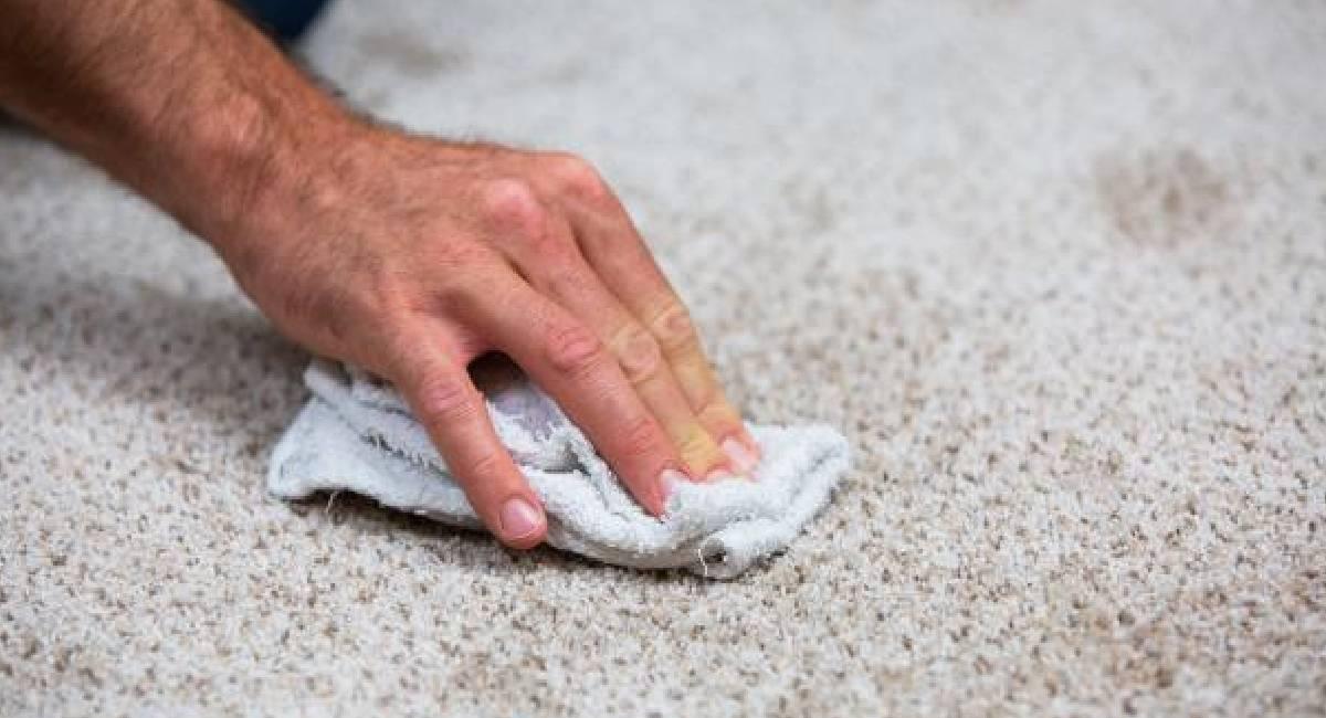 alte flecken aus teppich entfernen